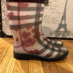 Burberry Nova Hearts Rainboots